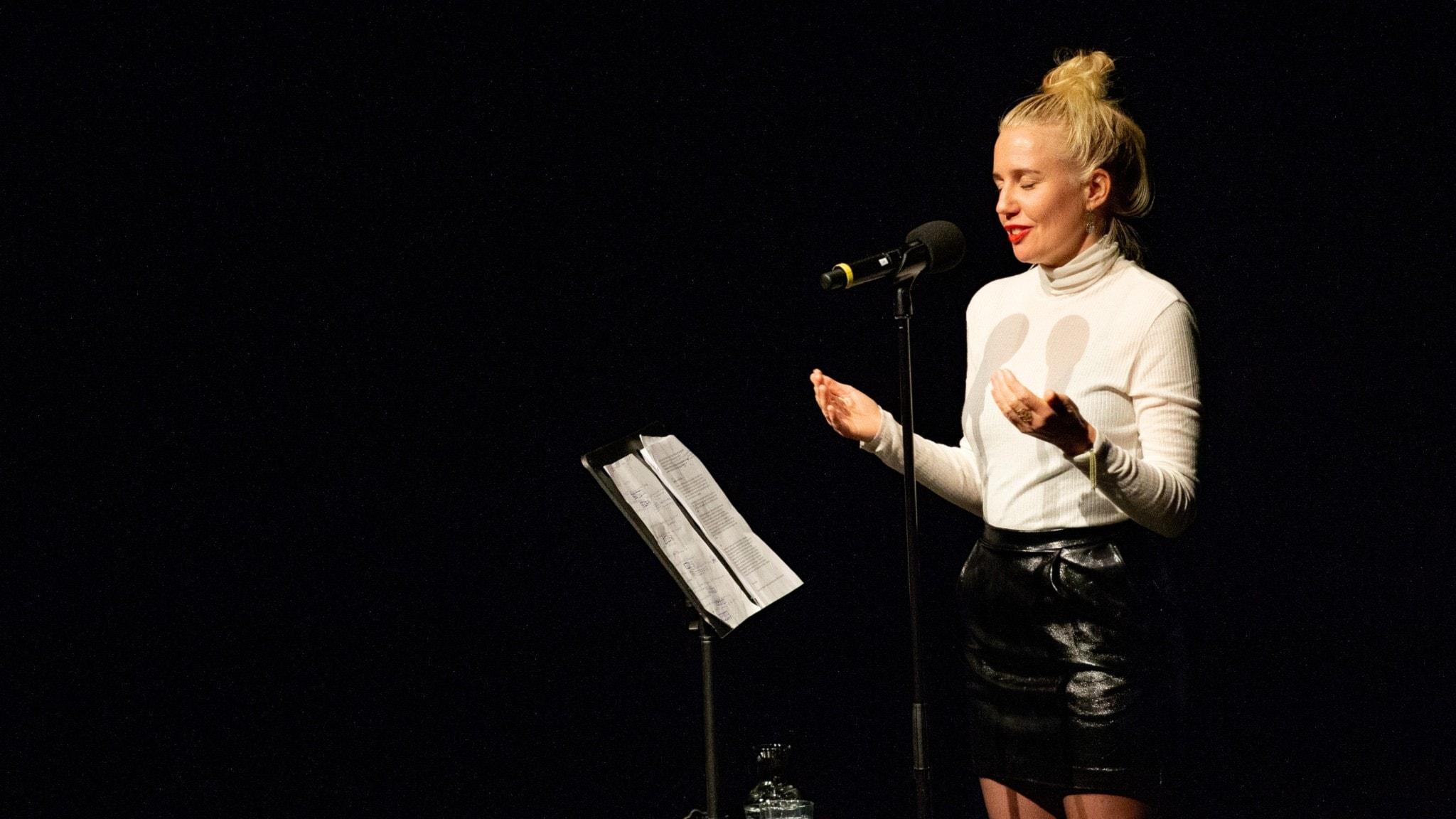 Svenska berättelser på scen - Förlåt mamma av Kristin Montagu-Evans