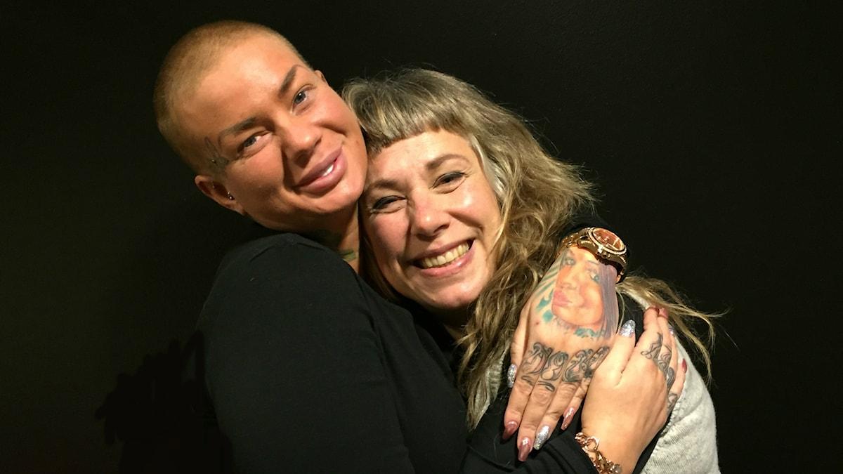 Söndagens gäst Jenny Hasselmark och Stina. Foto: Johanna Fellenius / SR.