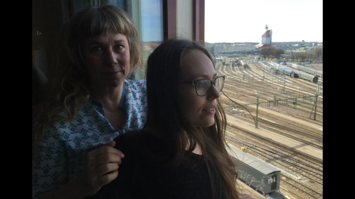 Stina och Nina. Foto: Johanna Fellenius / SR.