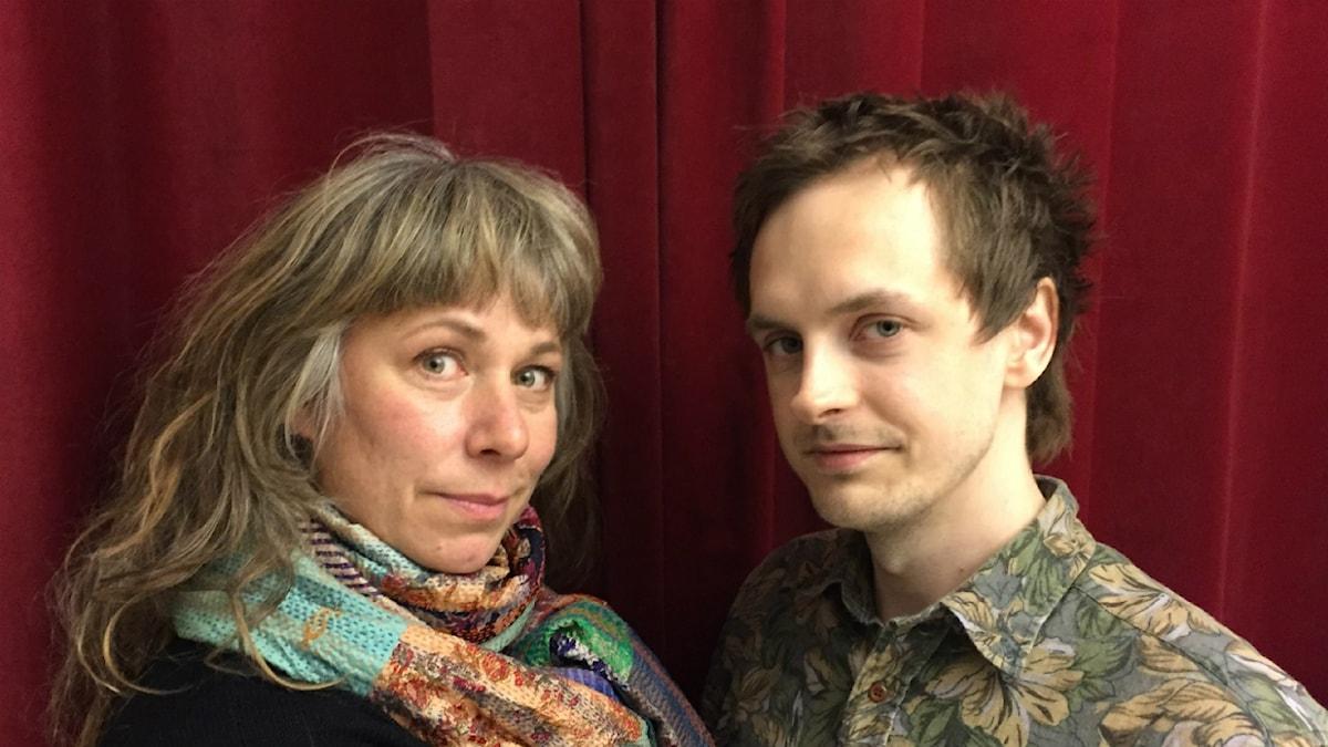 Stina med Jim på besök. Foto: Johanna Fellenius / SR.