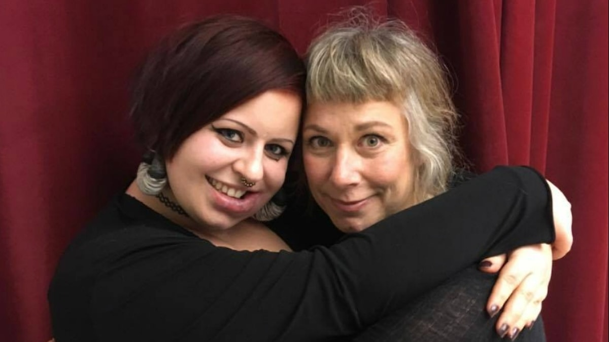 Lovisa och Stina. Foto: Johanna Fellenius / SR