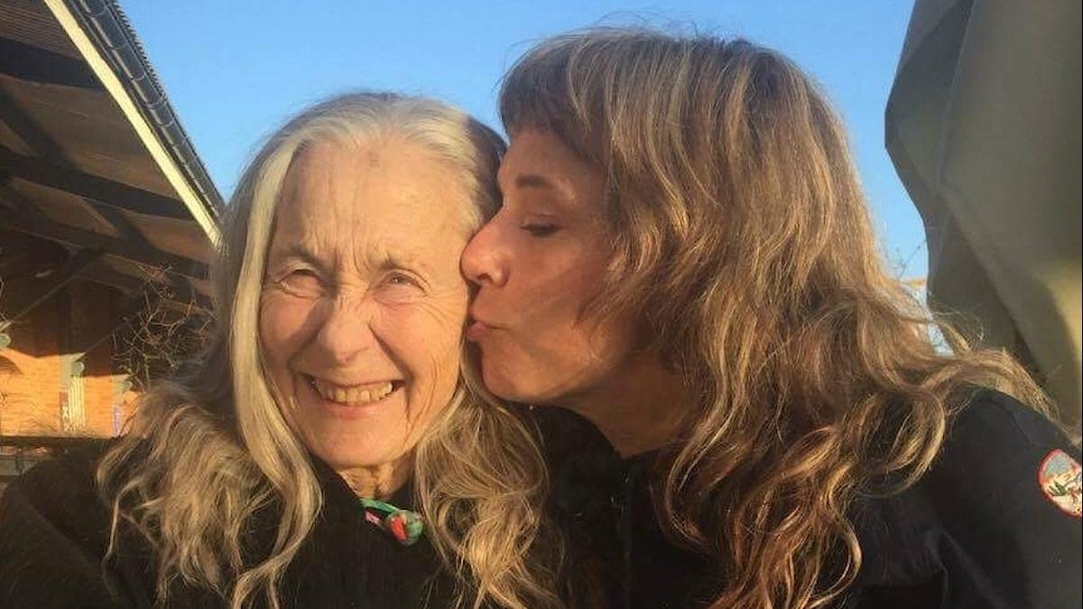 Stina med mamma Annie. Foto: Micke Olsson/ SR.