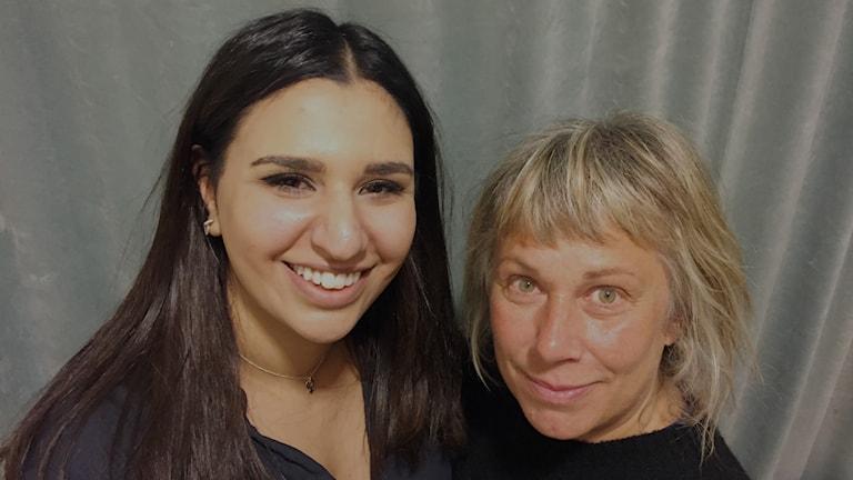 Söndagens gäst Melina Darban och Stina Wollter. Foto: Johanna Fellenius/ SR.