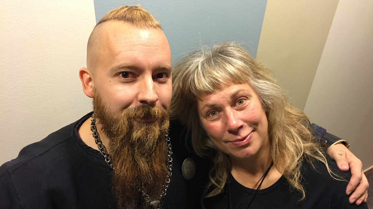 Söndagens gäst Thommy Vähäsalo och Stina Wollter. Foto: Johanna Fellenius / SR.