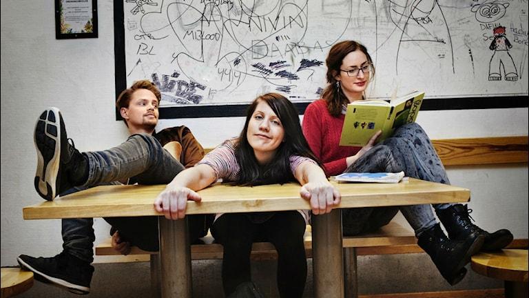 Jesper Hagenborn, Emma Knyckare och Anna Emanuelsson Foto: Julia Lindemalm/SR