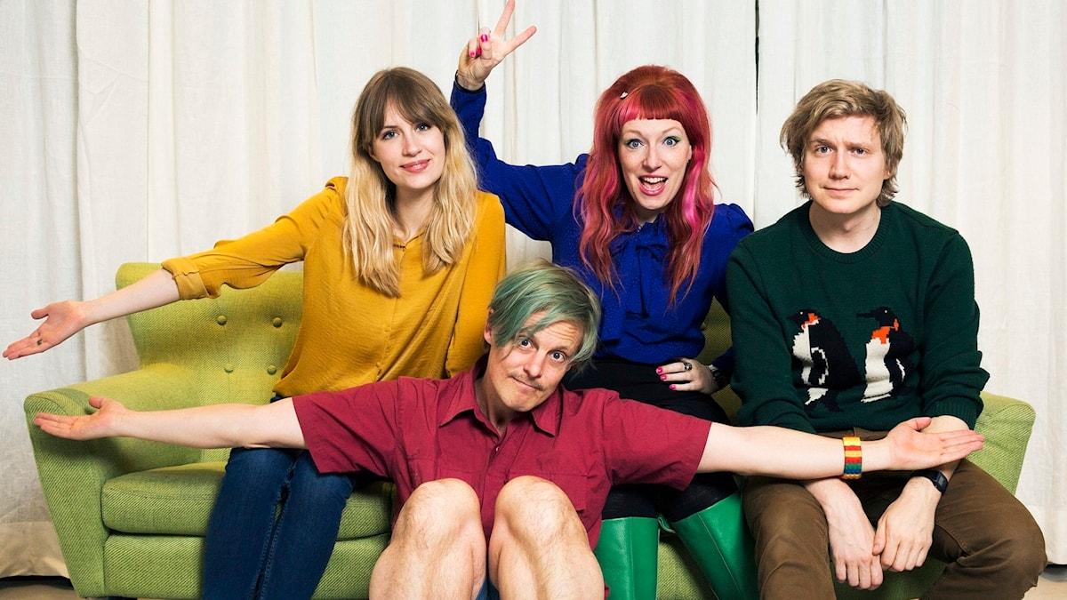 Isabelle, Simon, Josefin och Adrian redo för mer Helt Sant! foto: Mattias Alm/SR