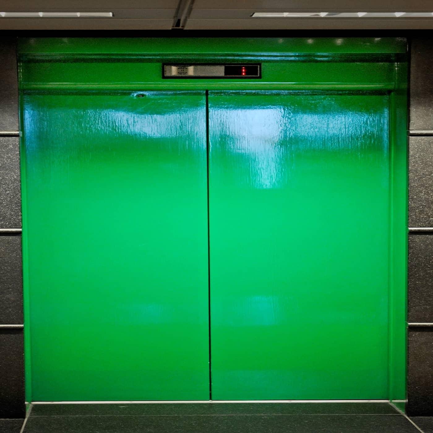 Världens längsta hisstur och svettlukt