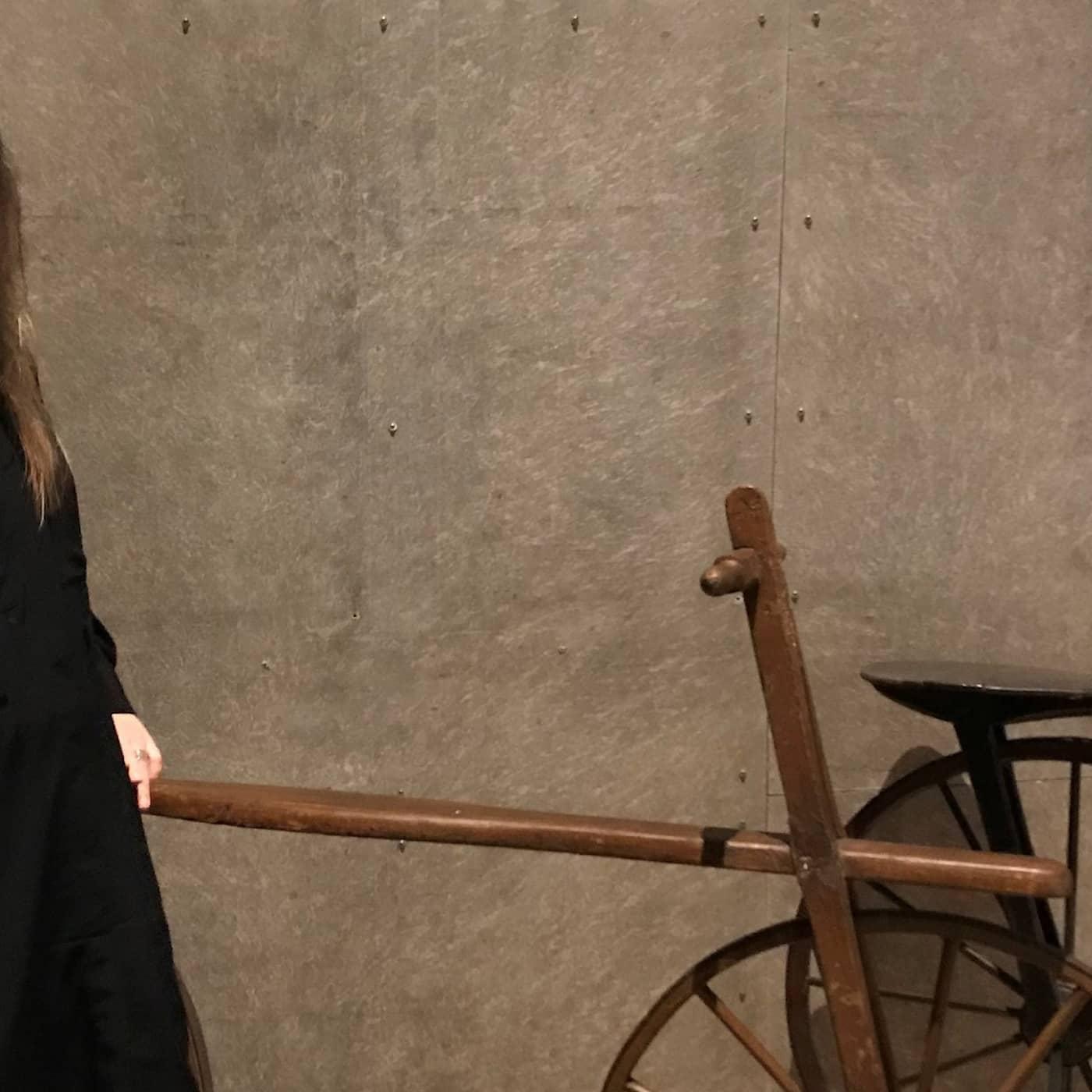 Karin berättar om kvinnors historia genom cyklar och dammsugare (R)
