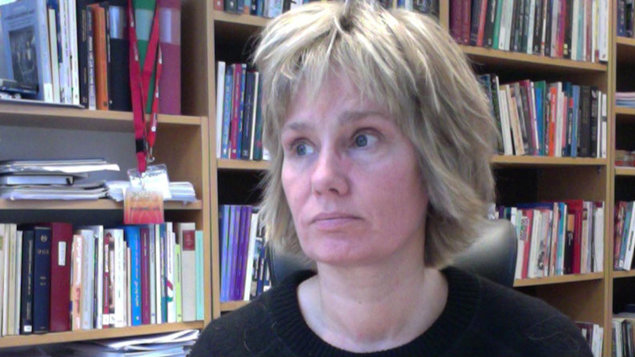 Åsa Lundqvist, professor i sociologi, skriver bok om aktiveringsinspektörerna.