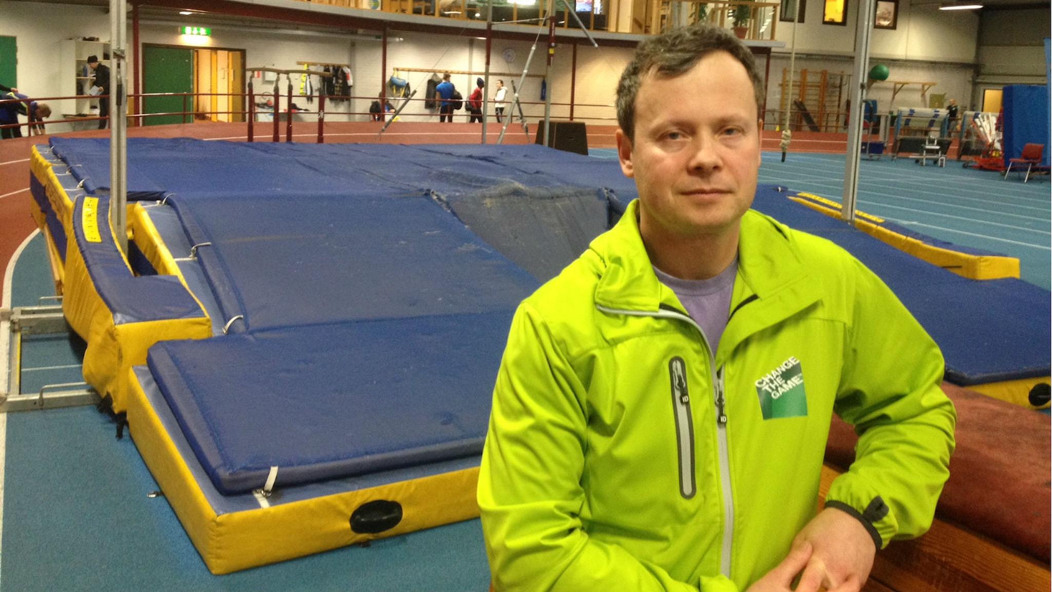 Michail Tonkonogi, på idrottsforskningsanläggningen vid högskolan i Dalarna. Foto: Lena Nordlund/Sveriges Radio
