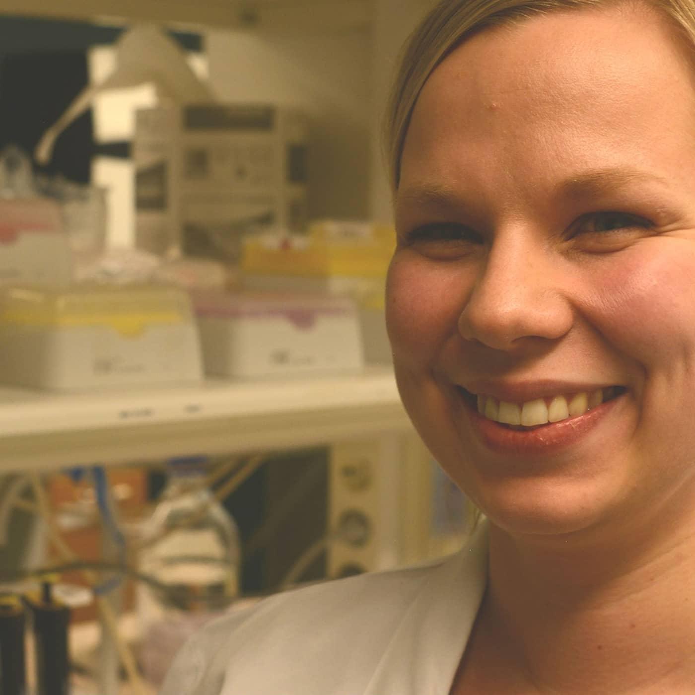Genetiker Kristiina Tammimies kombinerar familjeliv med framgångsrik forskarkarriär