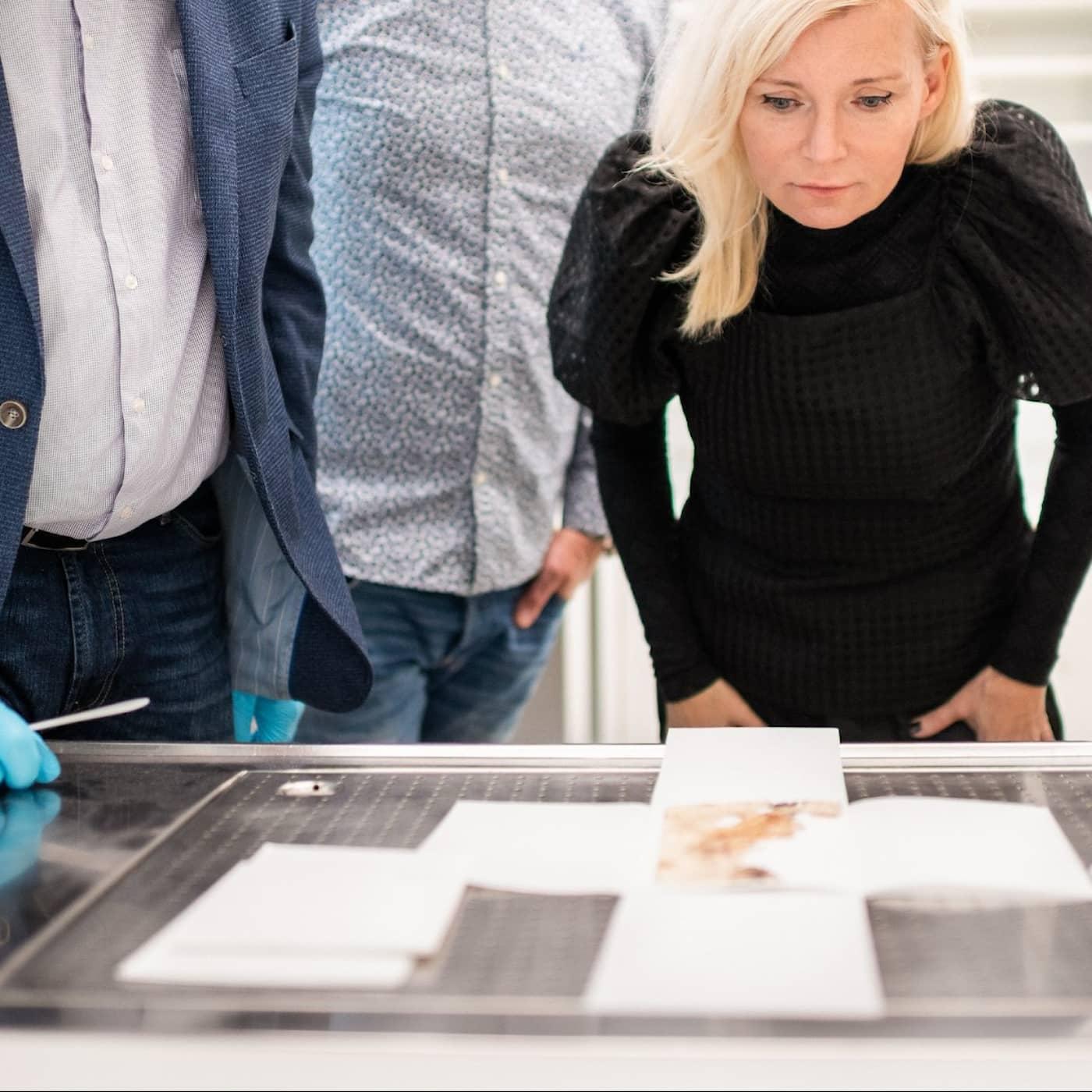 Bea Uusma uttyder Nordpolenfararen Andrées dagbok (R)