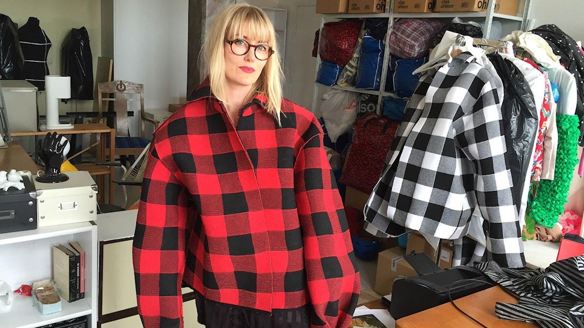 Maja Gunn i egen designad skjorta