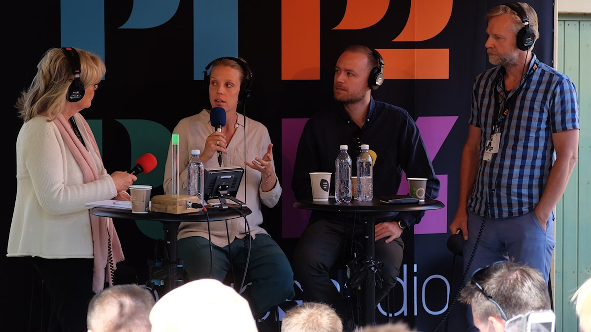 Helena Groll leder samtal med Annie Reuterskiöld, Viktor Barth-Kron och Tomas Ramberg.