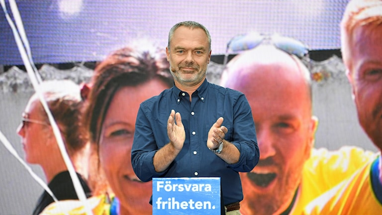 Partiledare Jan Björklund (L) håller tal under Liberalernas dag i Almedalen.