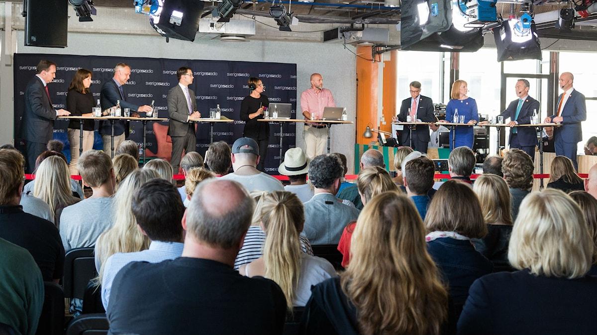 Partiledarna samlade på Sveriges Radios scen. Foto: Mattias Ahlm/Sveriges Radio.