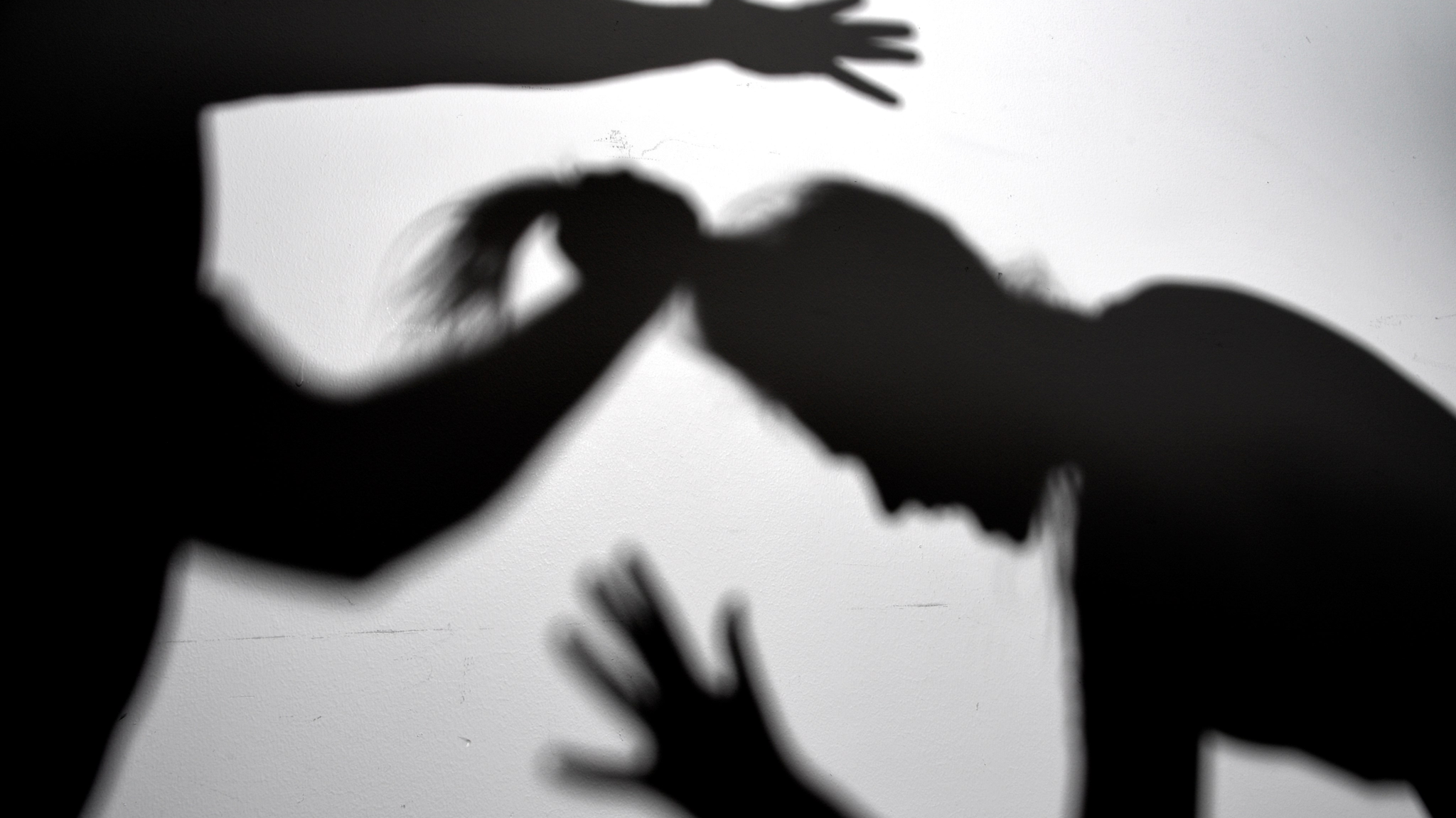 Kritik mot långa utredningstider vid relationsvåld