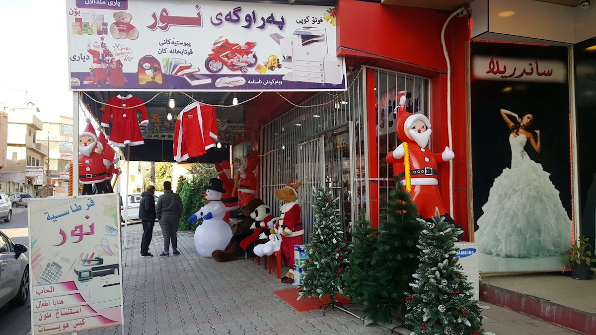 Jul i är i stadsdelen Ankawa, Erbil, i norra Irak