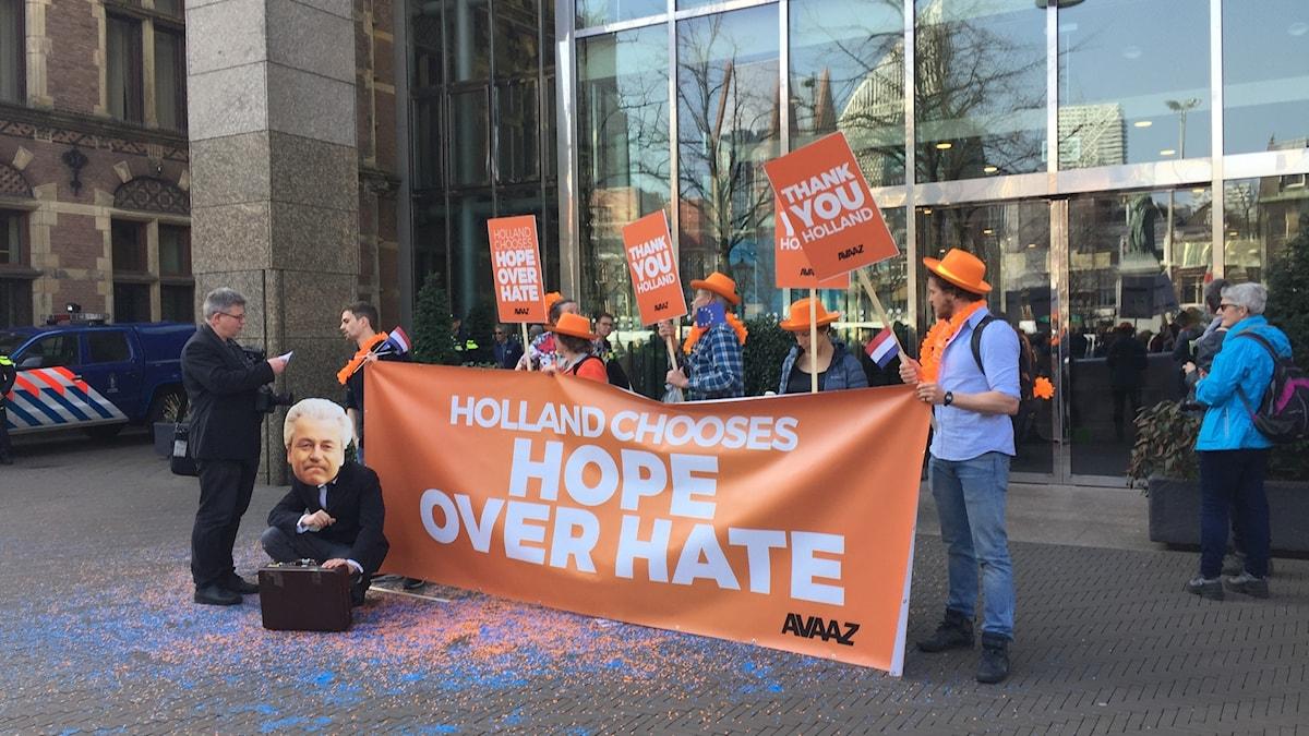 Protest mot Geert Wilders i Haag.
