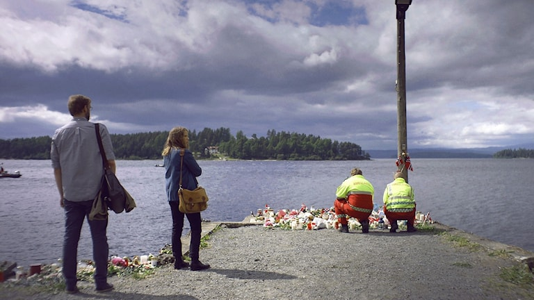 En bild från tv-serien 22 juli. Journalisterna Harald och Anine.