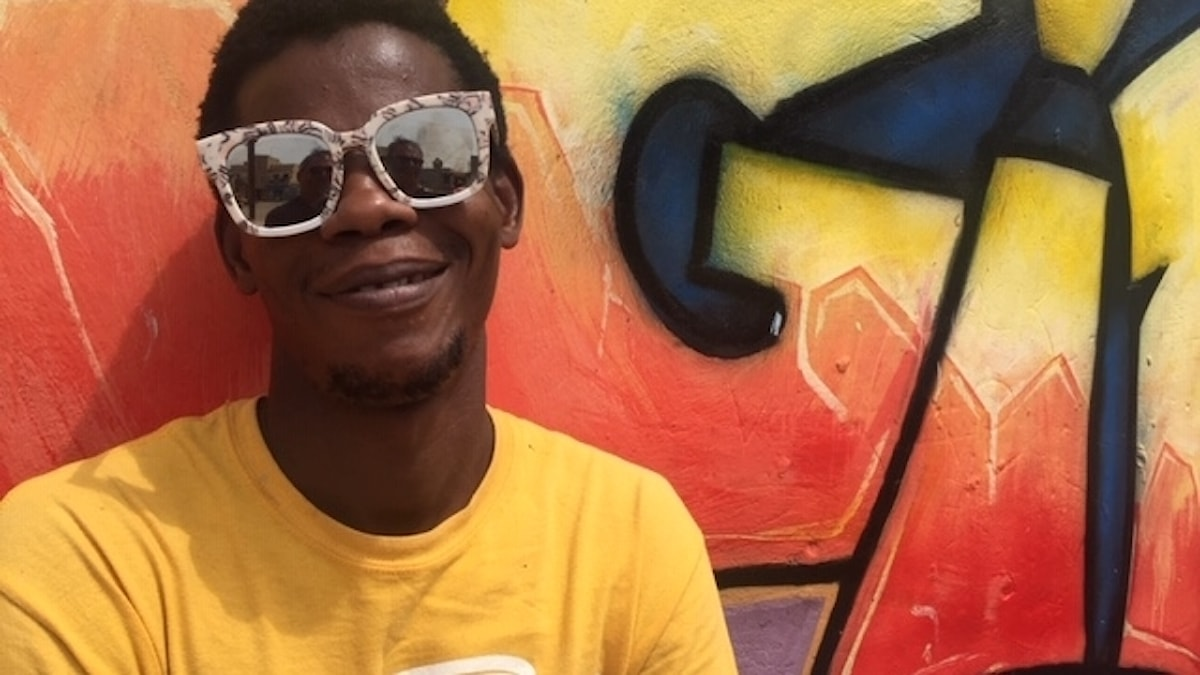 Moussa Khan är graffitti-artist i Senegal som engagerar sig för de unga.