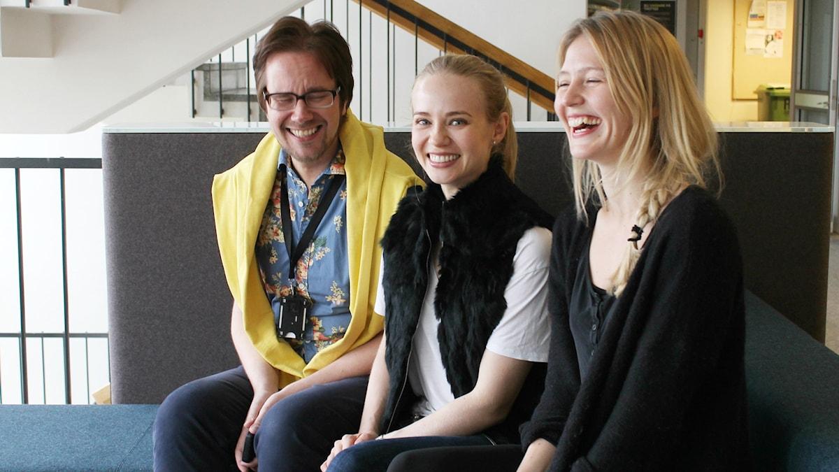 Erkki Kuronen, Josephine Alhanko och Maija Waris. Foto: Elina Härmä, Sveriges Radio Sisuradio