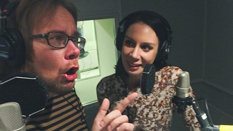Erkki och Jasmin i Popula-studion
