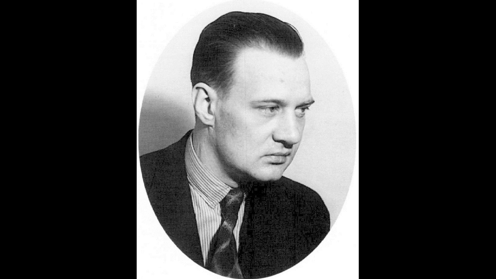 Bilden är ett gammalt fotoporträtt av Gösta Rybrant.