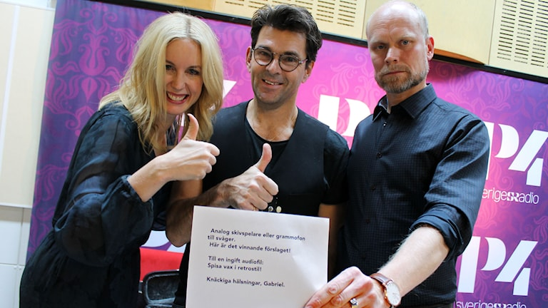Niklas och Jenny Strömstedt. Foto: Ronnie Ritterland / Sveriges Radio