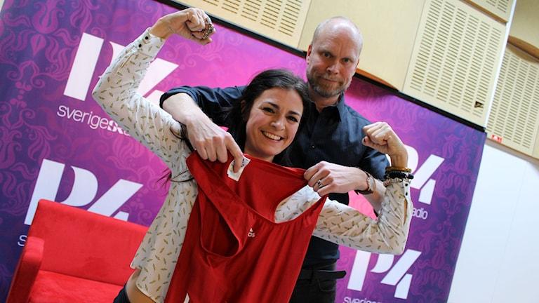 Hjälp Ylva Hällen att hitta ett rim till sin brottardräkt! Foto: Ronnie Ritterland / Sveriges Radio