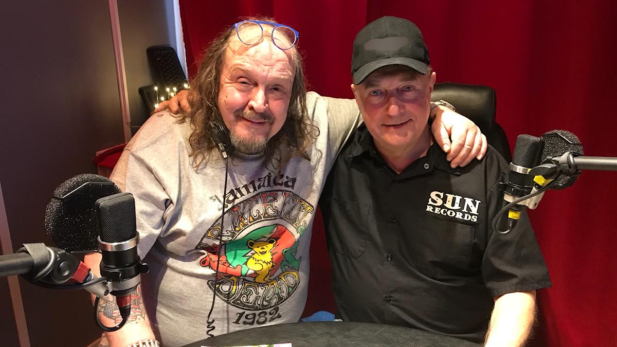 Olle Jönsson och Mats Olsson i studion