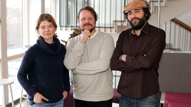 Reportrarna Johanna Sjövall, Johan-Mathias Sommarström och Firas Jonblat. Foto: Nils Lindström/Sveriges Radio.