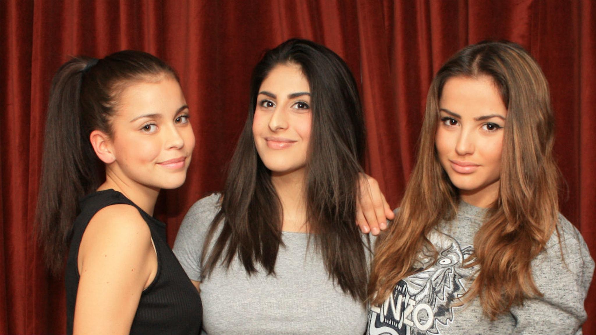 Nicole, Athena och Chloé. Foto: Sepideh Sajadi/ Sveriges Radio