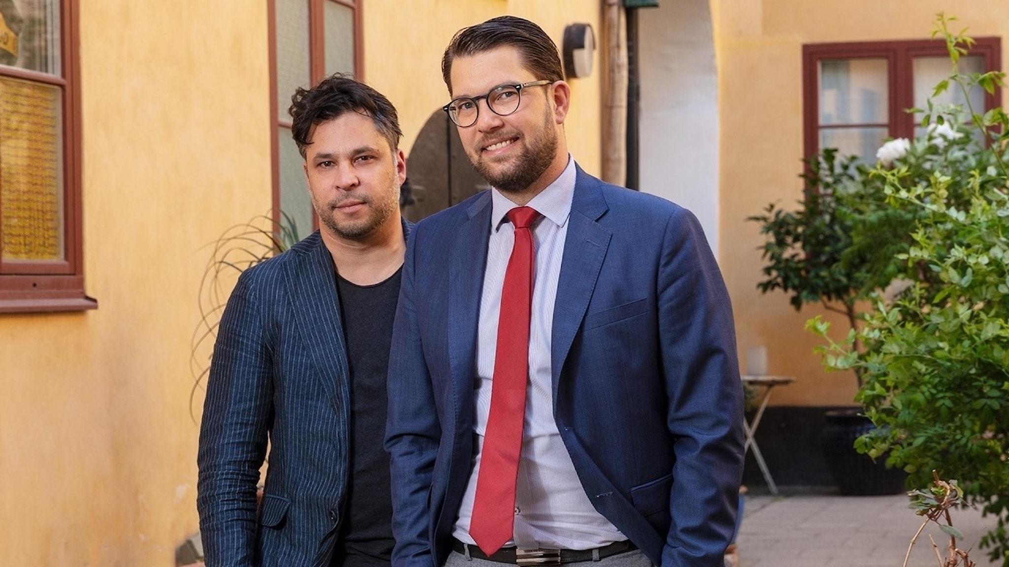 Martin Wicklin (t v), Söndagsintervjuns programledare och Jimmie Åkesson (t h), Sverigedemokraternas partiledare
