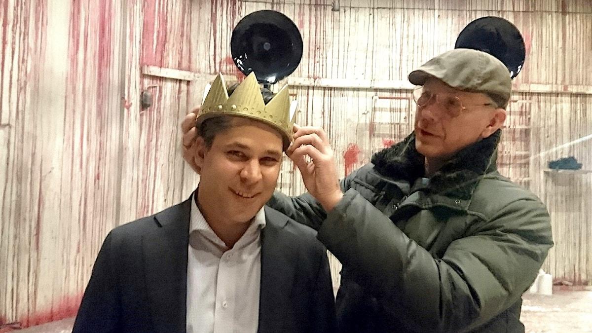Martin Wicklin (t v) och Mikael Persbrandt (t h)