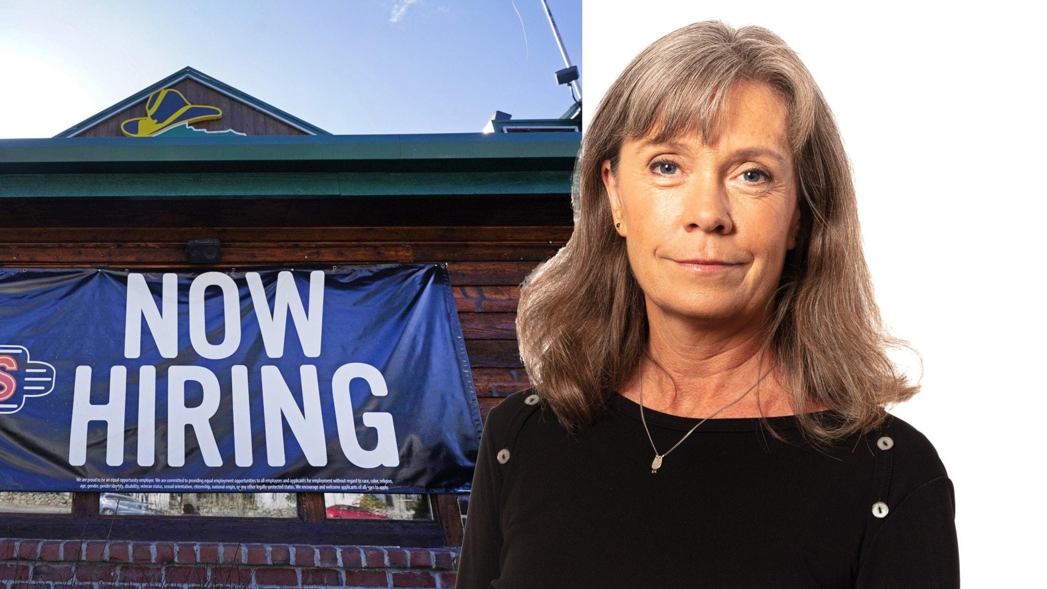 """Nina Brenner och en skylt med texten """"Now hiring"""""""