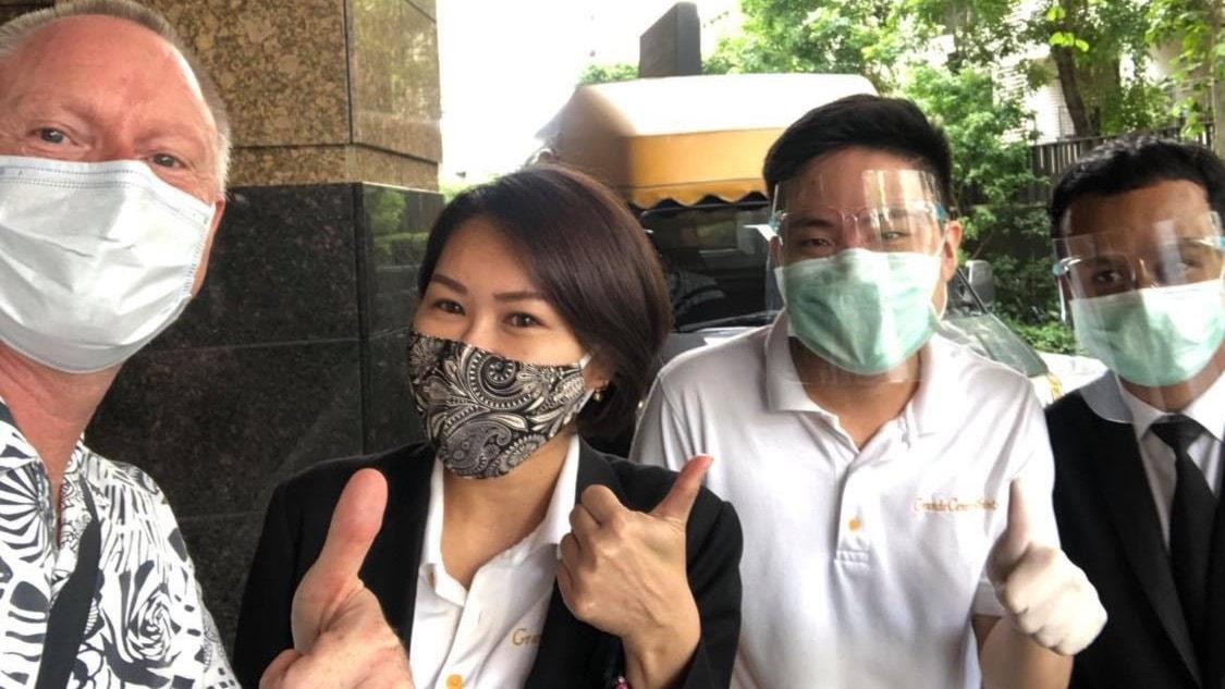 Karantän med beväpnade vakter: Peder Gustafsson, Bangkok