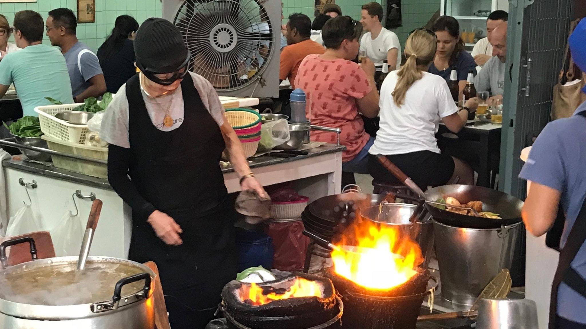 Hotet mot Bangkoks gatumat: Peder Gustafsson, Bangkok.