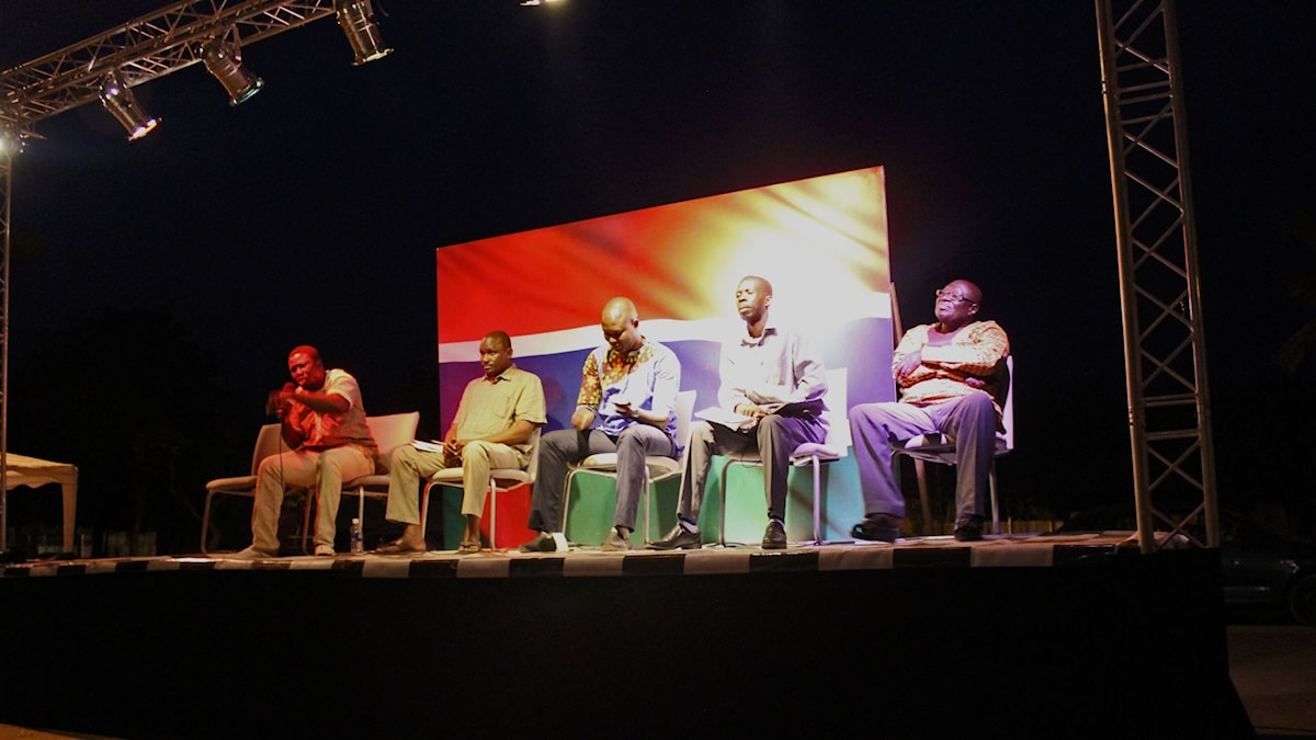En historisk debatt i Banjul, mellan kandidater som ställer upp i Gambias kommande parlamentsval.