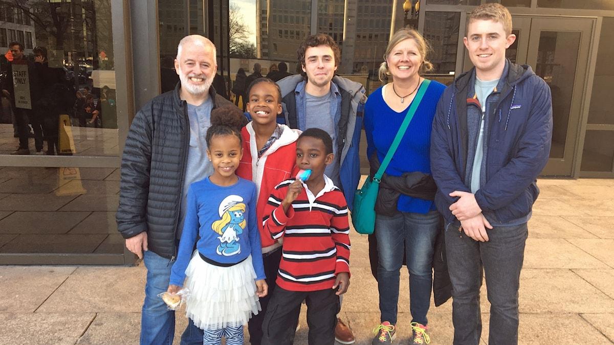 Familjen Thomas har rest från Ohio för att gå på Washingtons rymdmuseum eftersom yngste sonen Naomi önskat sig det i födelsedagspresent.