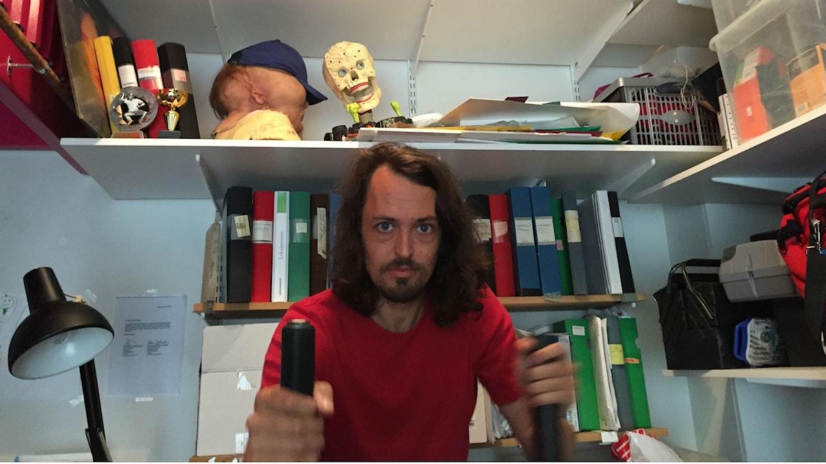 """Filmaren Johannes Nyholm arbetar med sin långfilmsdebut """"Jätten""""."""