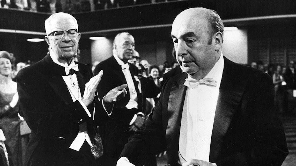 Poeten Pablo Neruda under Nobelceremonin 1971.