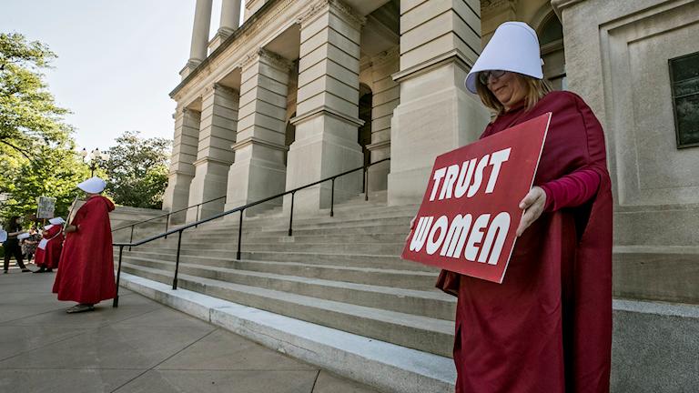 En av protesterna mot abortlagstiftningen i Georgia.