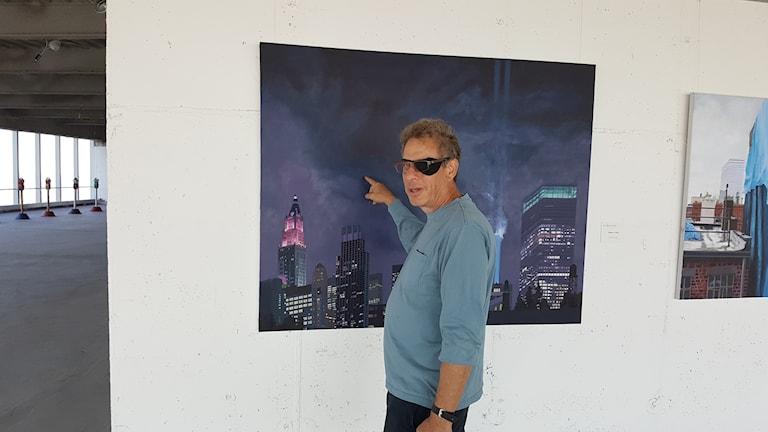 Konstnären Todd Stone