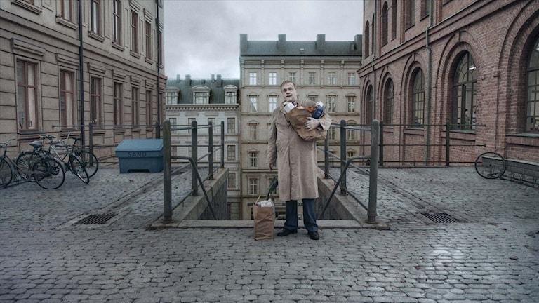 """En scen ur Roy Anderssons film """"Om det oändliga""""."""