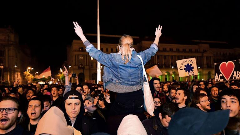 Demonstrationer framför parlamentsbyggnaden i Budapest