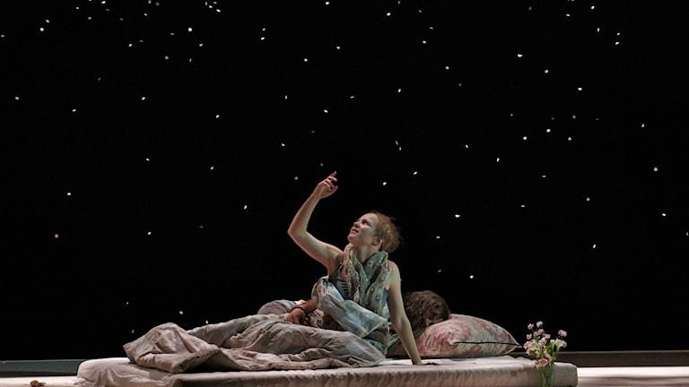Kerstin Avemo (Mimì) och Thomas Atkins (Rodolfo) på Göteborgsoperan