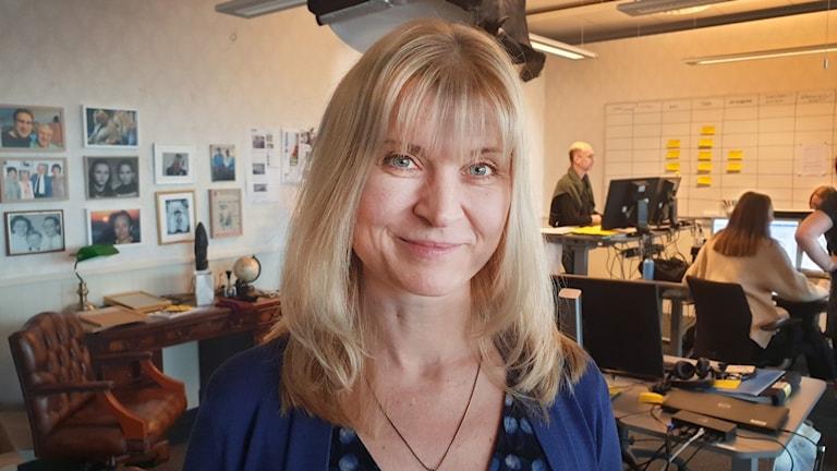 Lisa Jarenskog på Arvinge okänd redaktionen som är inredd som en lägenhet.