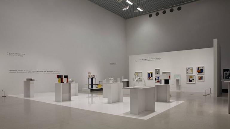 """Pressbild från Moderna Museets utställning """"Kobro & Strzeminski"""""""