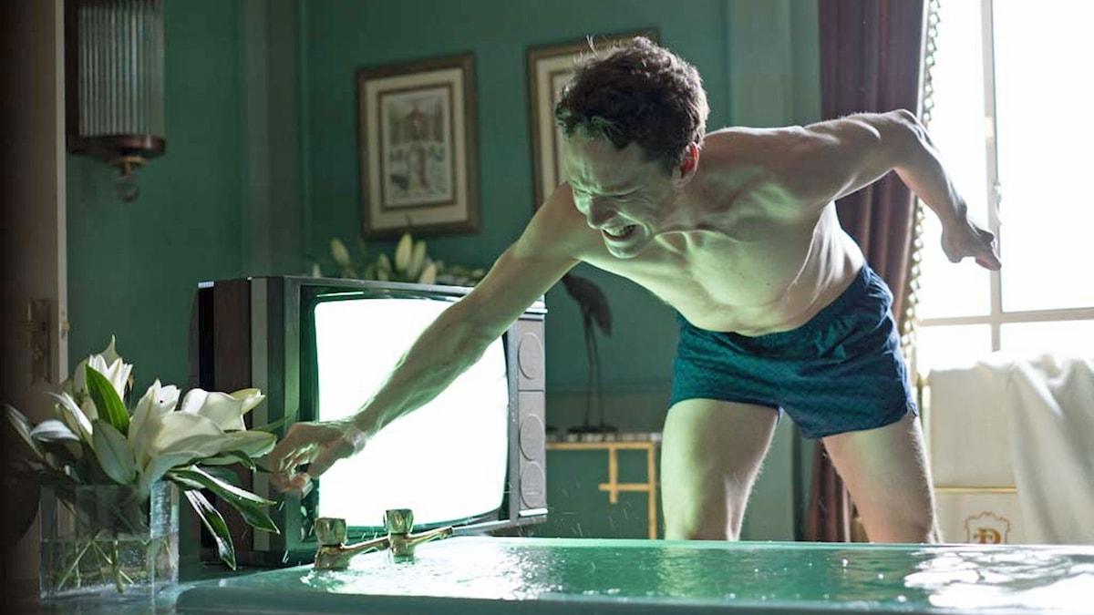 Benedict Cumberbatch som Patrick Melrose I HBO Nordics miniserie.